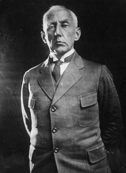 circa 1920: Norwegian arctic explorer Captain Roald Amundsen (1872-1928). (Photo by Hulton Archive/Getty Images)